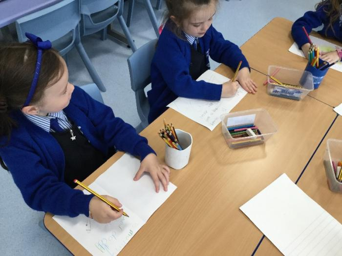 We like to write at the writing table during Golden Time.